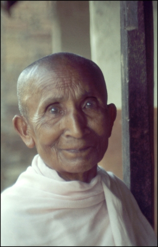 Nepal, Northern Nepal, Buddhist Nun 459