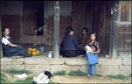 Nepal, Tibetan Family, Himalayas 472