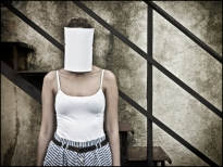 15 FACELESS, SIN ROSTRO Woman, Mujer